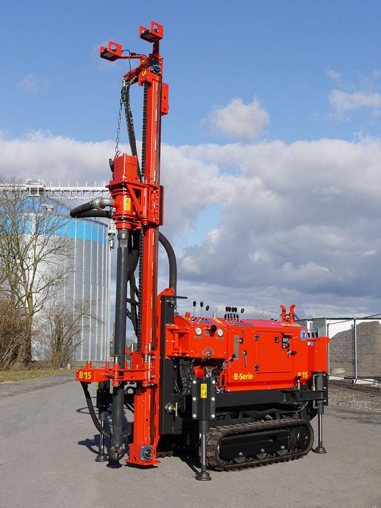 Bohrgerät ADLER B-Serie für geothermische Bohrungen und geologische Aufschlussbohrungen.