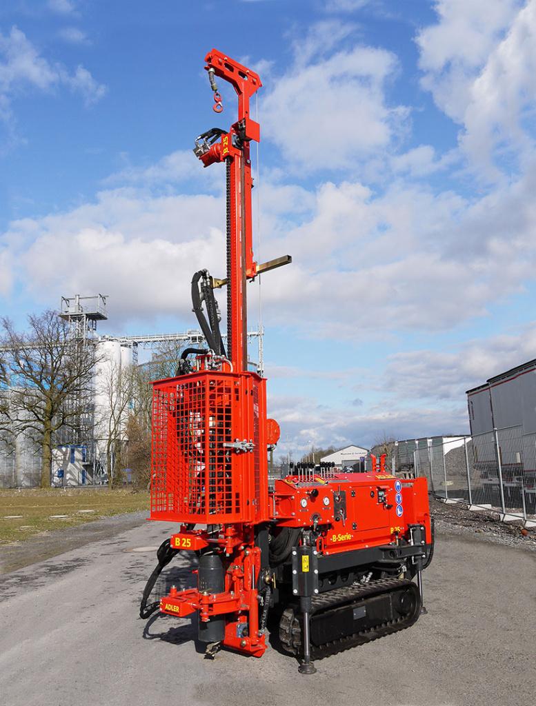 Bohrgerät ADLER B-25 für geothermische Bohrungen und geologische Aufschlussbohrungen.